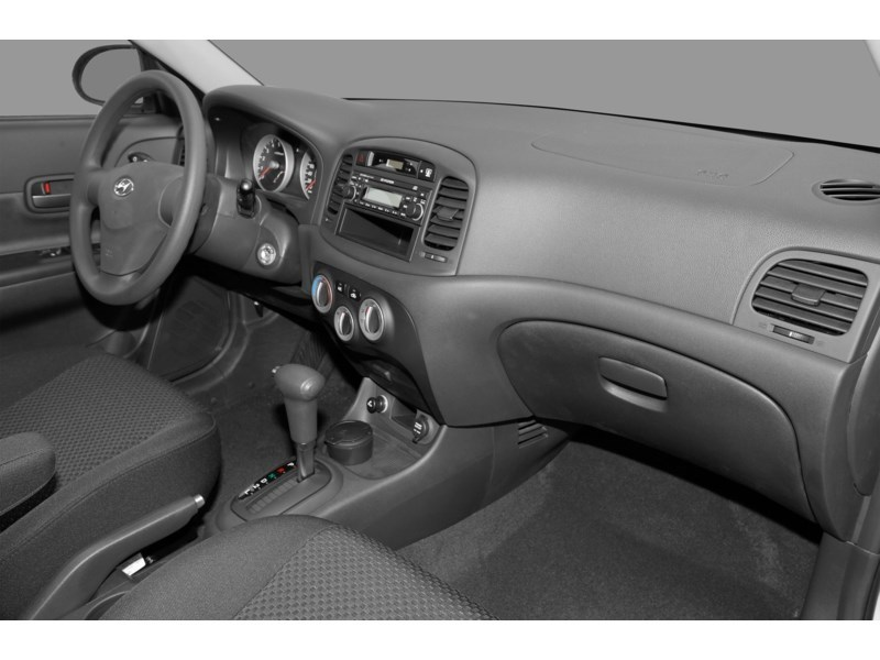 2008 Hyundai Accent L Interior Shot 1